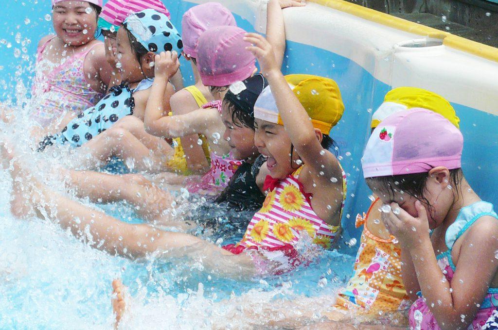 プール楽しい!!